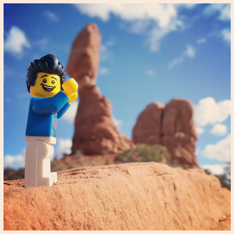 bill-dollar-holding-up-the-balanced-rock-arches-national-park